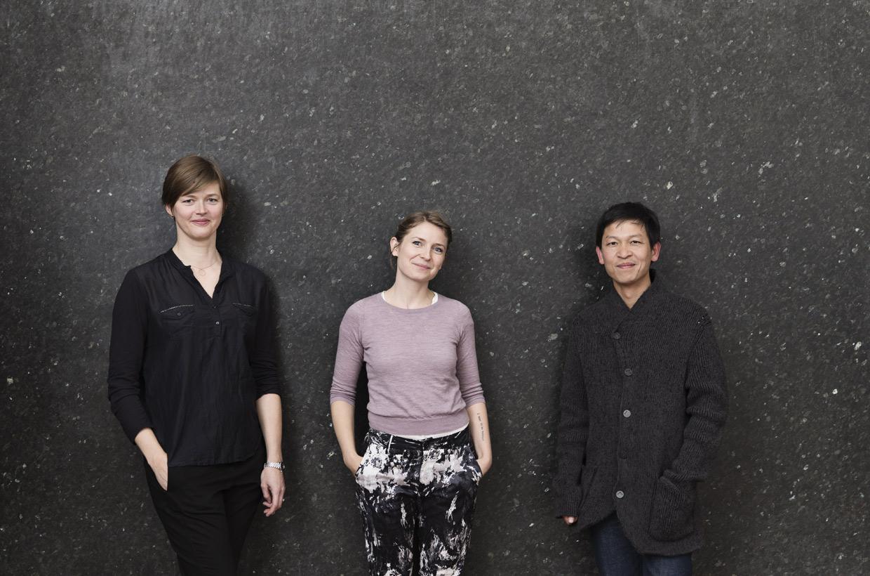 Vinderne af ARKENs Rejselegat og Kunstpris 2015: Karoline H Larsen, Gudrun Hasle og Danh Vo. Foto: Sofie Amalie Klougart
