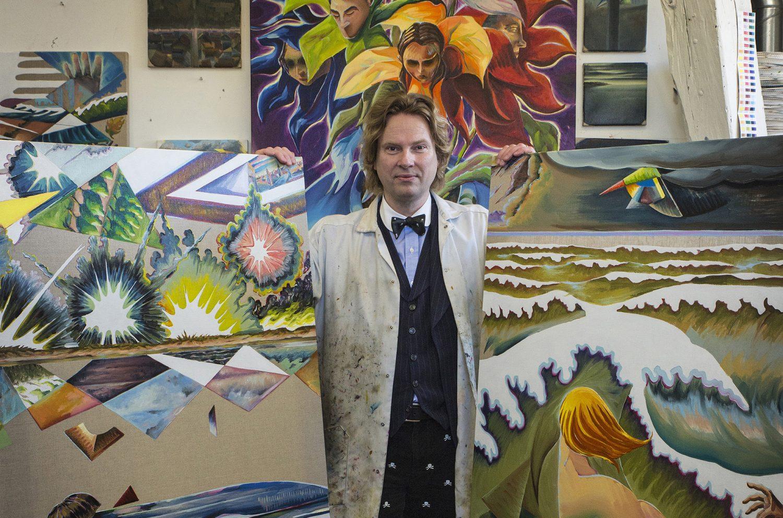 Portræt af Martin Bigum i hans atelier. Foto Thomas Fryd